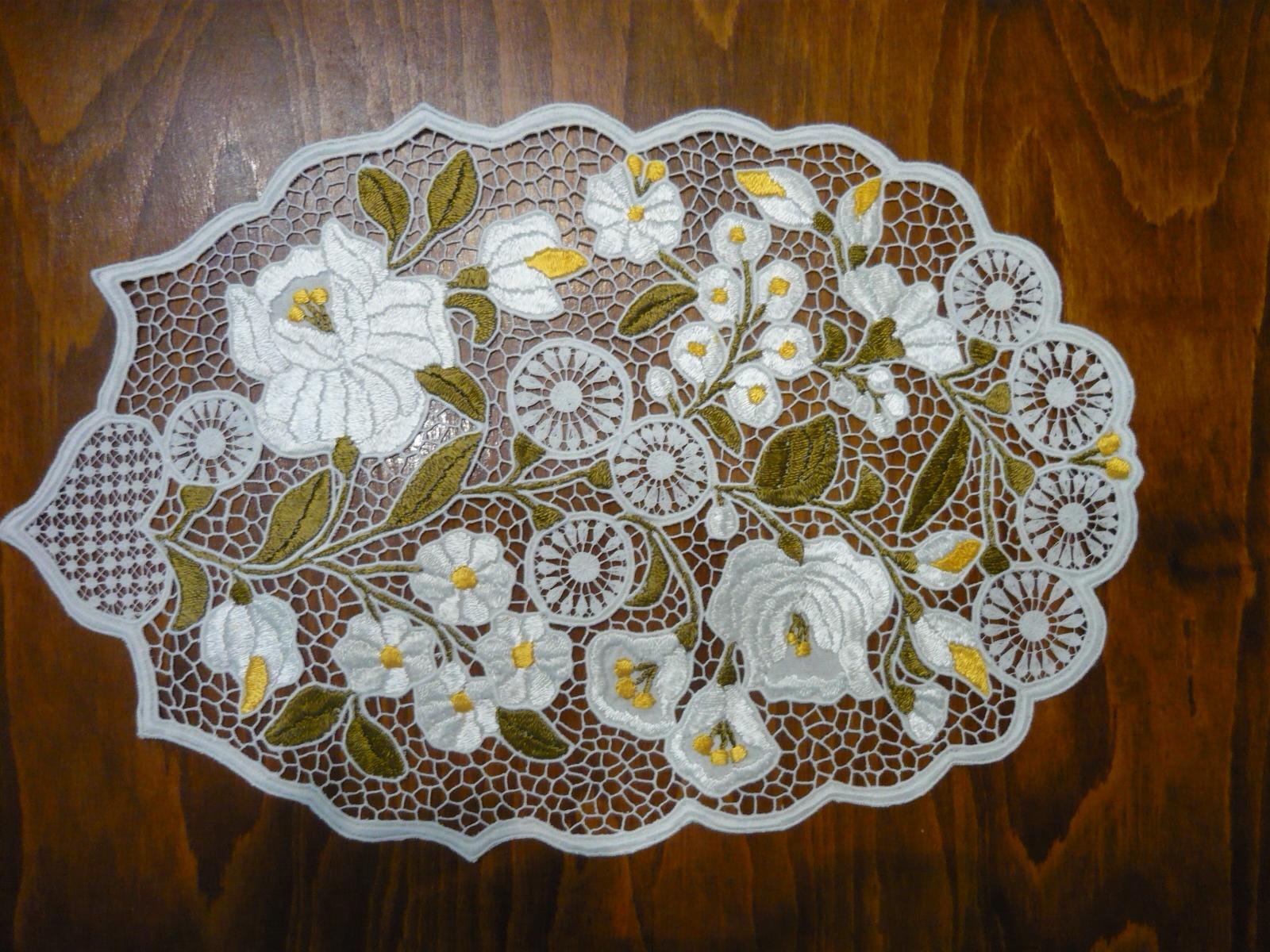 Riselt terítő pasztell színben 40 x 25 cm