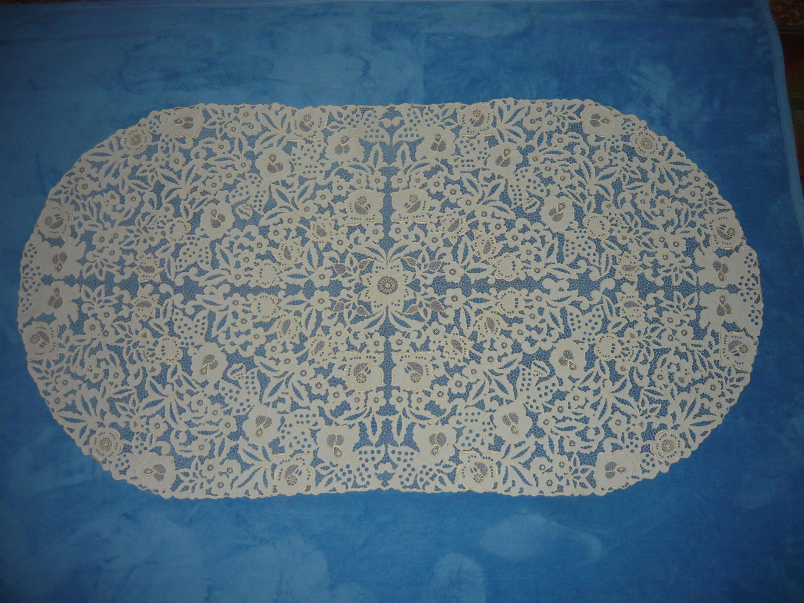 Riselt ovális terítő 160 x 80 cm