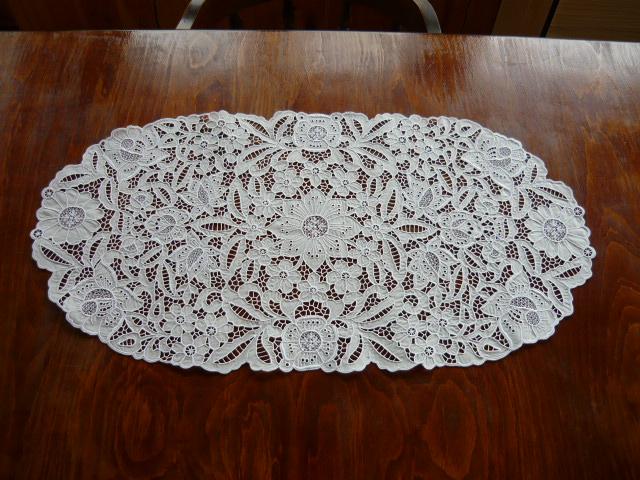 Riselt ovális asztalközép 38 x 73 cm